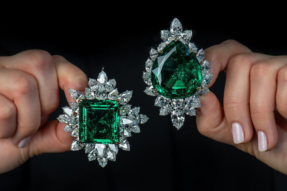 Colombian Emeralds: 80.45 carats (left) and 104.40 carats in the Harry Winston brooch (right)