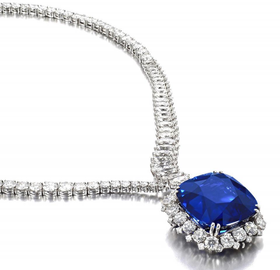 Diamond necklace with a removable pendant set with a Ceylon sapphire of 111.73 carats