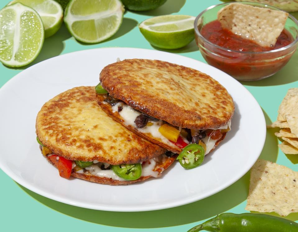 Spicy vegetable sandwich on cauliflower bread