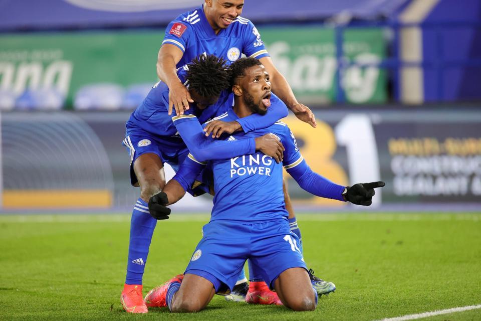 Kelechi Iheanacho scores for Leicester City