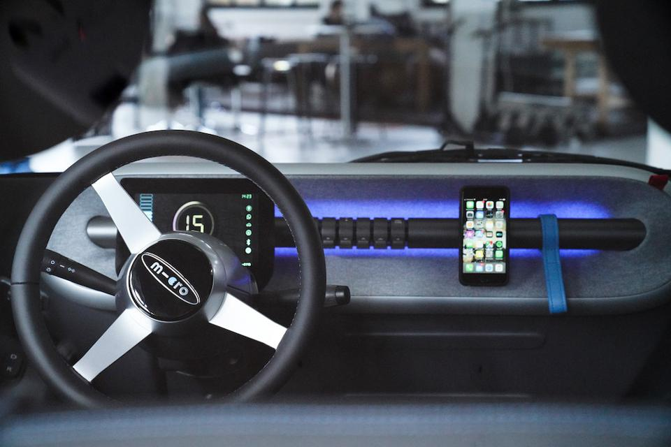 The Microlini steering column has been simplified and is not connected to the door