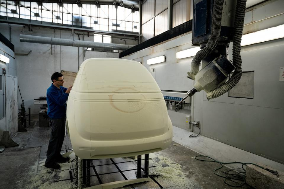 THE MICROLINI UNDER PRODUCTION IN COLLABORATION WITH THE ITALIAN COMPANY CECOMP