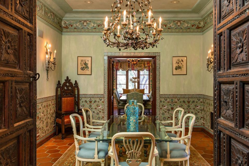 dining room hearst estate beverly hills