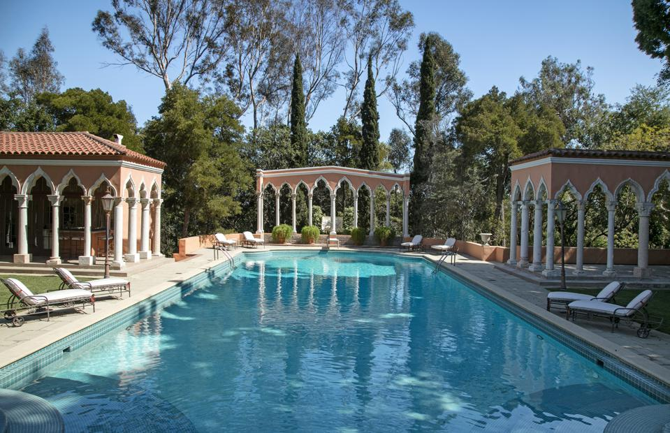 swimming pool at the william randolph hearst estate in beverly hills