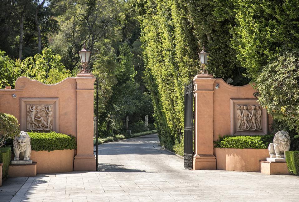 front gates of william randolph hearst estate in beverly hills