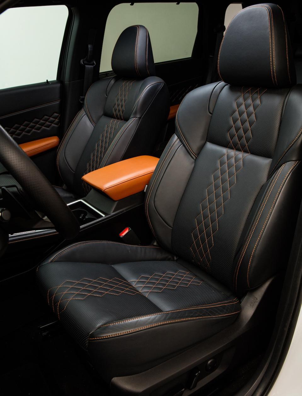 2022 Mitsubishi Outlander Front Seat