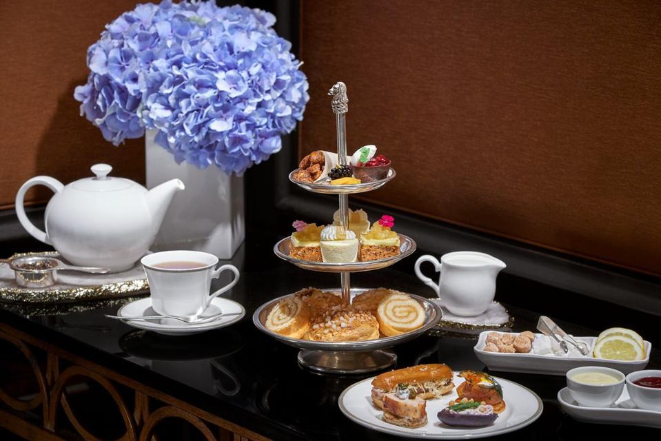 The Ritz Carlton, Tysons Corner ENTYSE, Wine Bar & Lounge