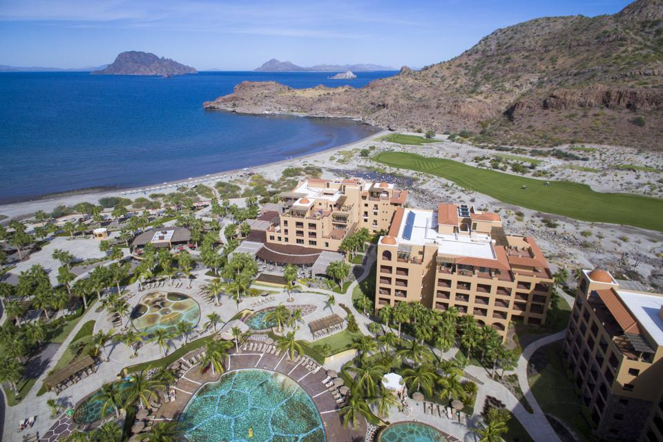 The exterior of the resort Villa del Palmar.