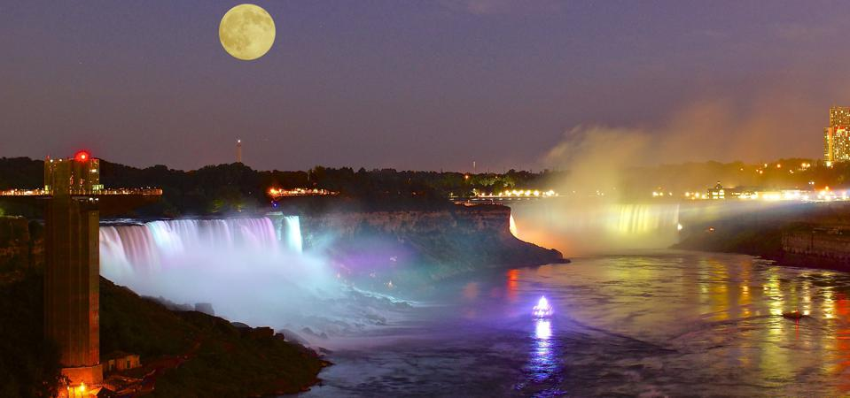 Niagara Falls night moon