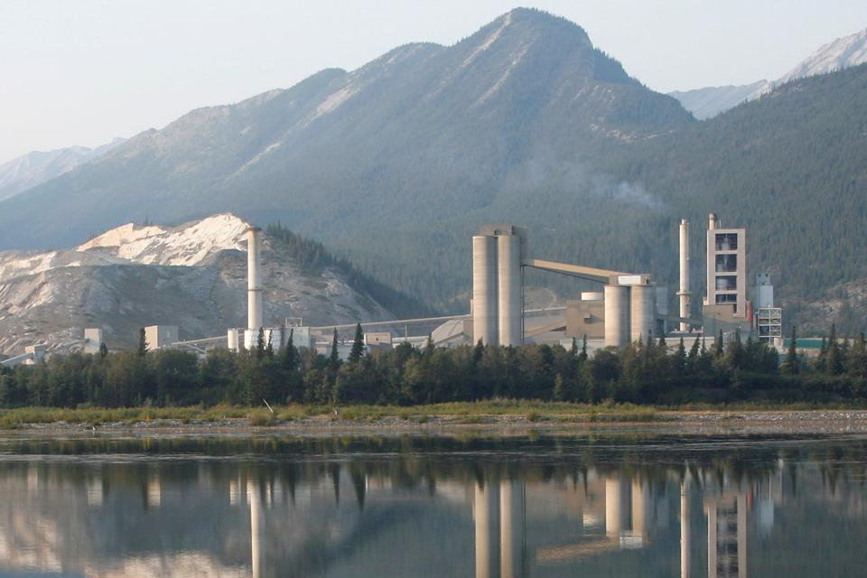Cement Plant in Alberta, Canada: Generates waste heat when transforming raw materials into clinker for concrete