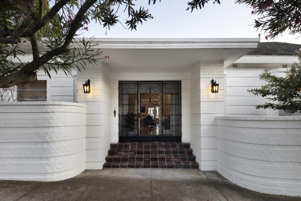 front entrance to house at  7 Edzell Avenue toorak melbourne australia