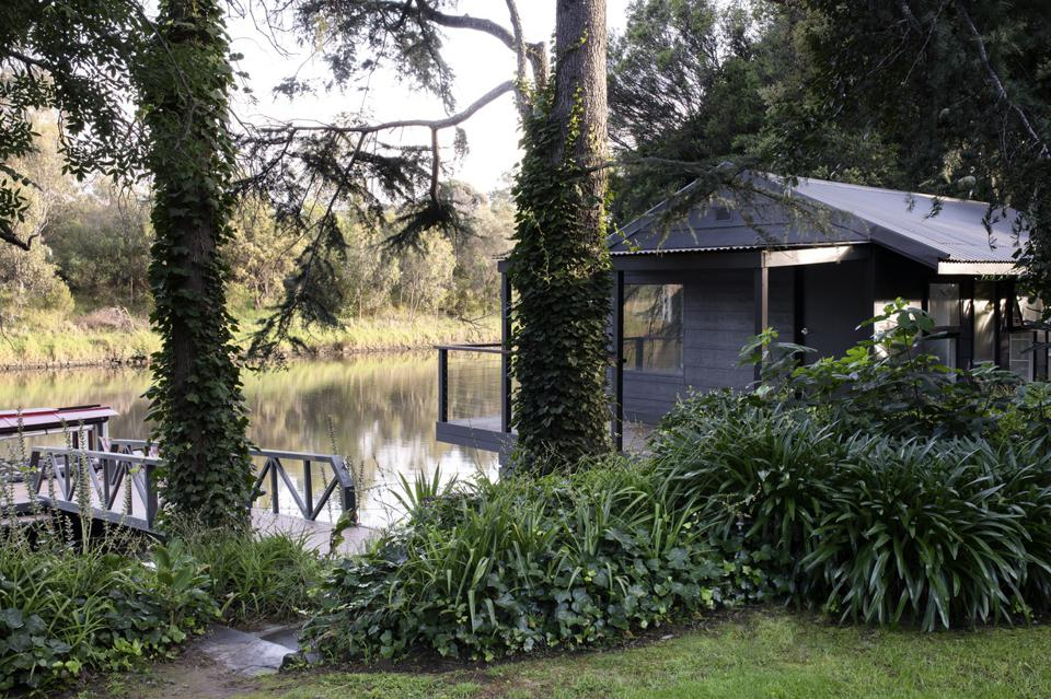 private dock and boatshed 7 Edzell Avenue Toorak, Victoria, Australia