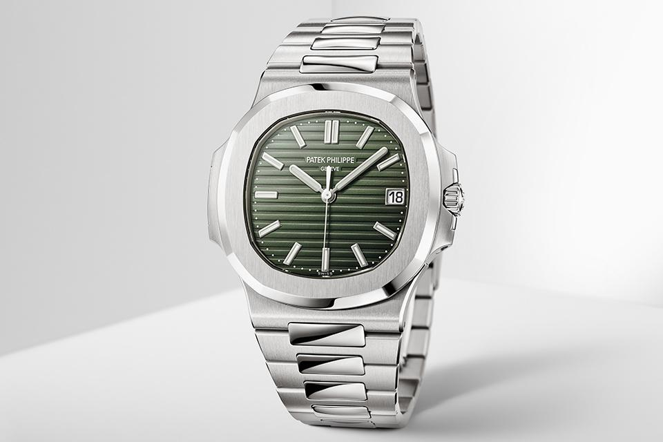 The new olive-green dial replaces the discontinued blue-black dial