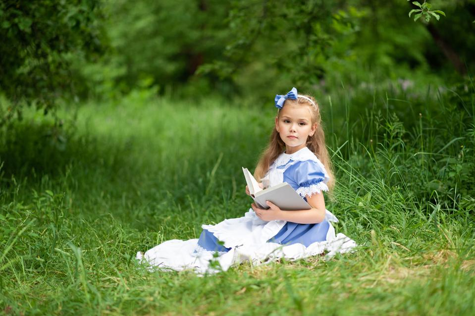 Little,Cute,Girl,In,A,Costume,Of,″alice,From,Wonderland″