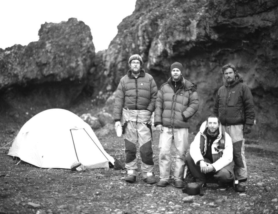 camping antartica polar expedition