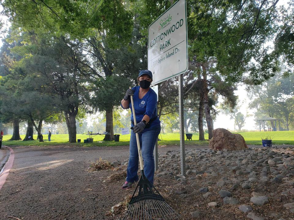 A woman volunteers with Keep Truckee Meadows Beautiful, located in Nevada.