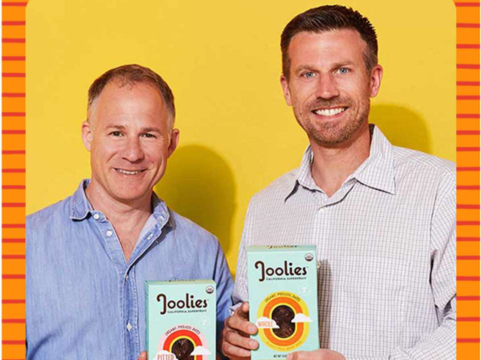 Kohl and Willsey pose with boxes of Joolies.