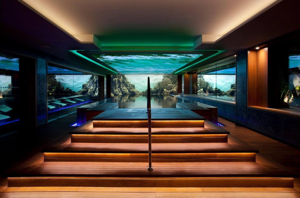Pool and spa at MiM Hotel Sitges