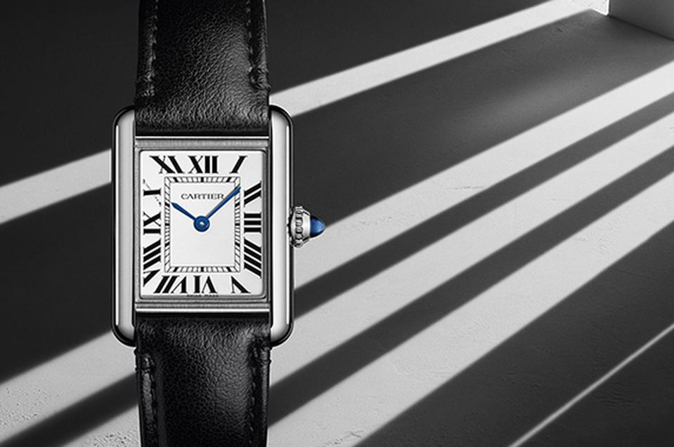 The Cartier Tank Must contains photovoltaic technology, with a solar movement.