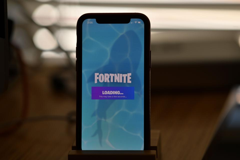 US-IT-LIFESTYLE-GAMES-COURT-APPLE-FORTNITE