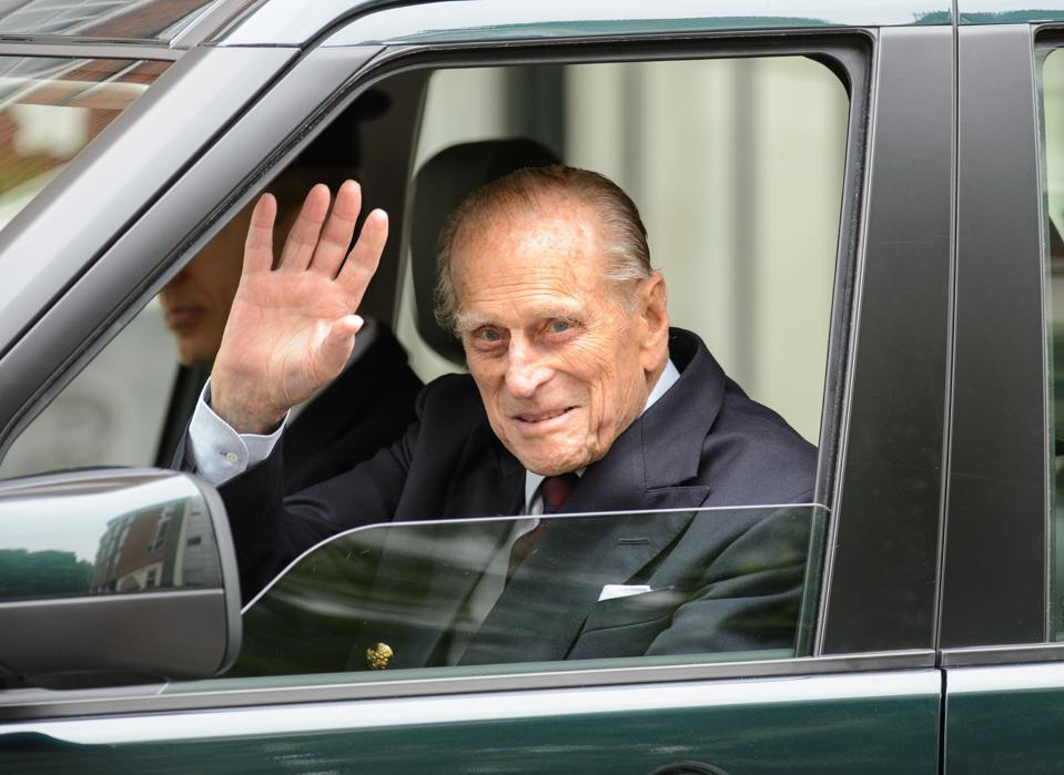 Prince Philip leaving hospital after operation in 2013