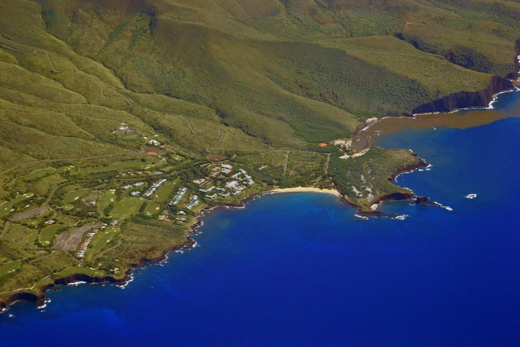 Aerial view of Hulopoe Beach and Puu Pehe or Sweetheart Rock. Lanai Island. Hawaii. USA