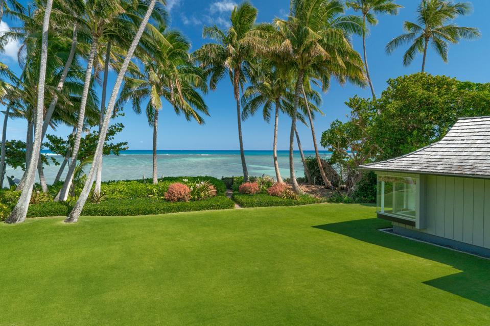 rare 1.75 Acres, Largest Kahala Avenue Beachfront Property 4679B Kahala Avenue