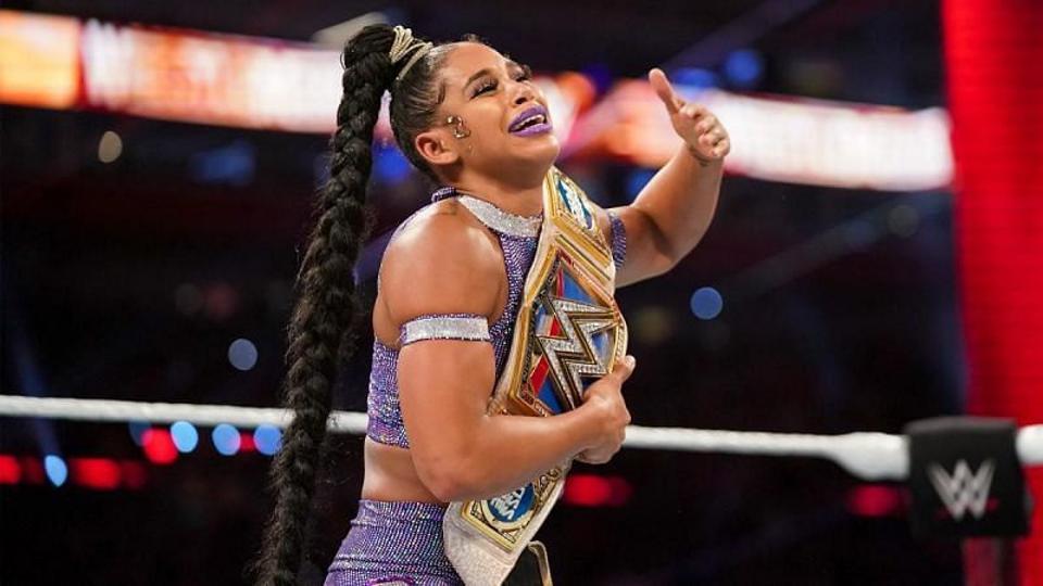 Bianca Belair wins the WWE SmackDown Women's Championship.