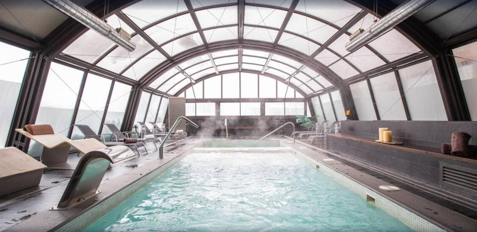 Indoor pool at MiM Baqueira Hotel