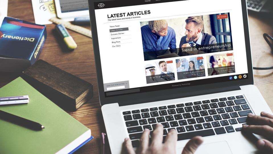 Student browsing news website
