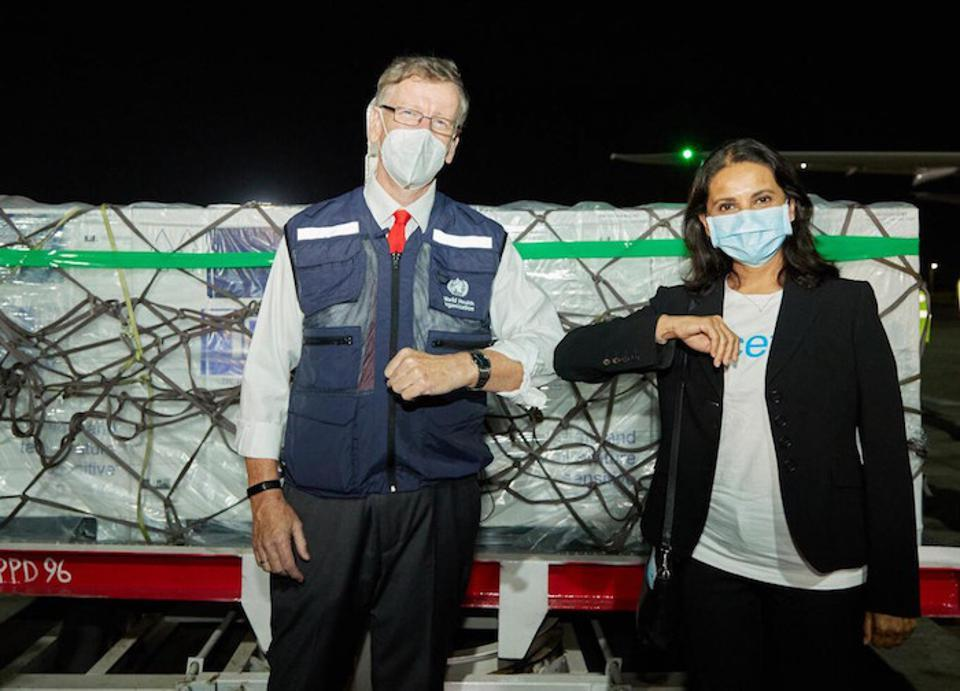 On March 3, 2021, WHO Kenya Representative Rudi Eggers (left) and UNICEF Kenya Representative Maniza Zaman met the arrival of the country's first AstraZeneca-Oxford COVID-19 vaccines procured through the COVAX Facility.