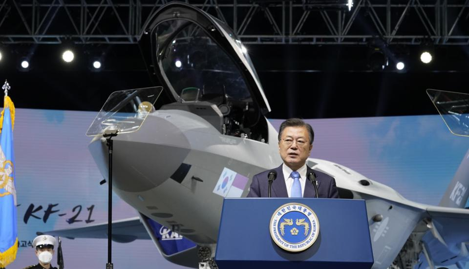 South Korean President, Moon Jae-in delivers a speech in front of the KF-21.