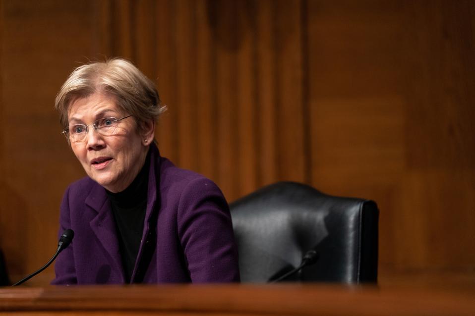Elizabeth Warren Navient student loans