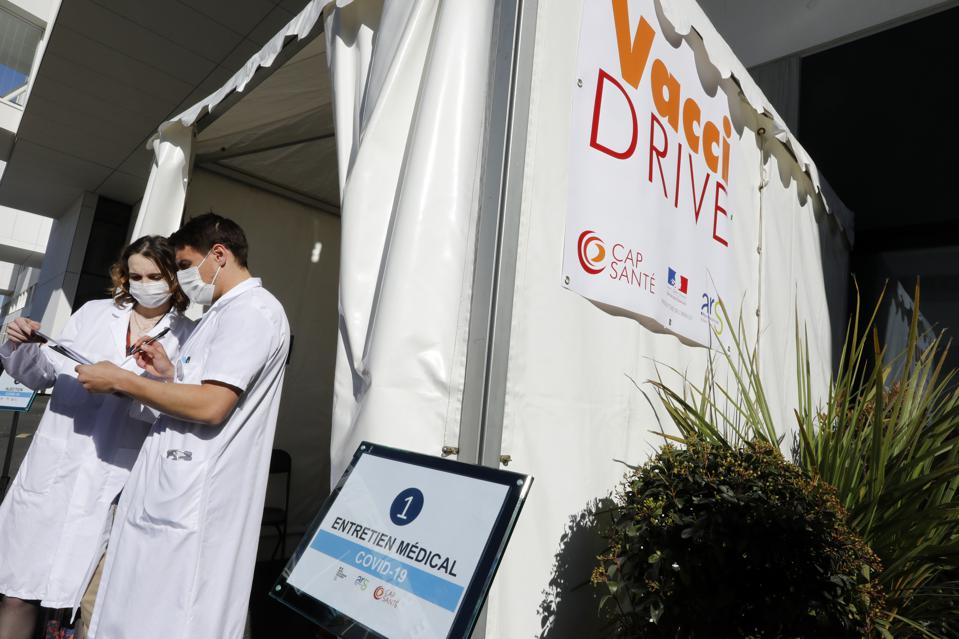 France's First Covid-19 Vaccine Drive-in