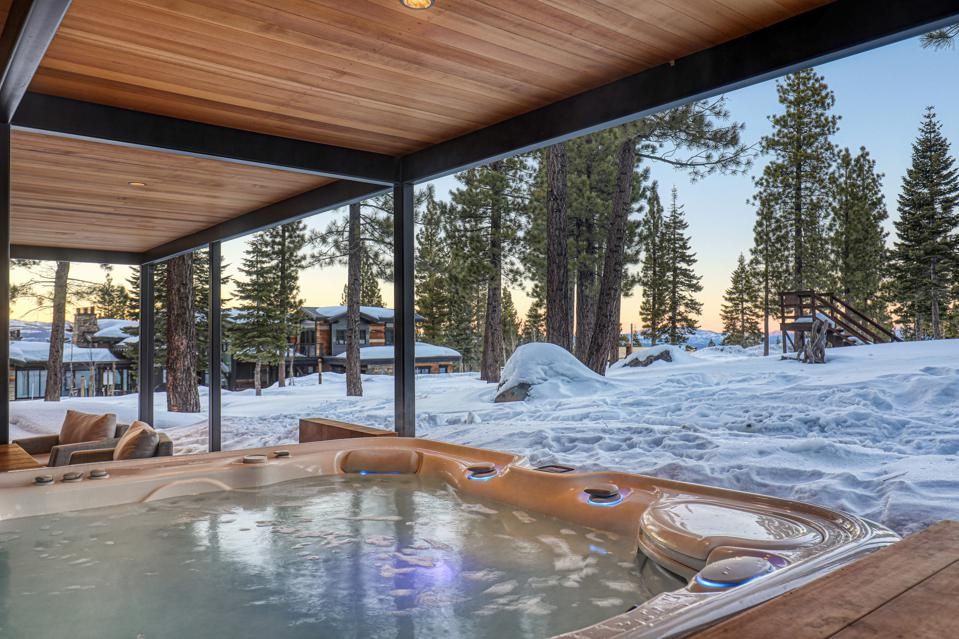 m25 hot tub container house tahoe truckee