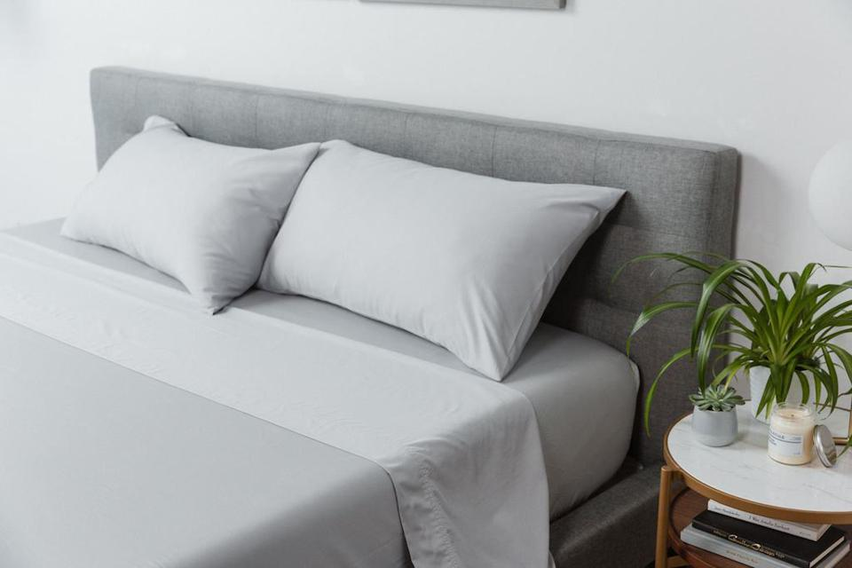 MOLECULE Percale Performance Sheets in Gray