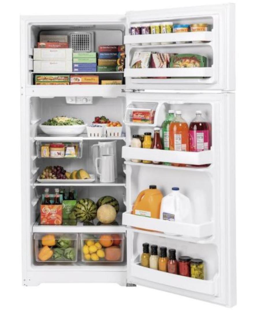 GE 17.5 cu. ft. Top Freezer Refrigerator