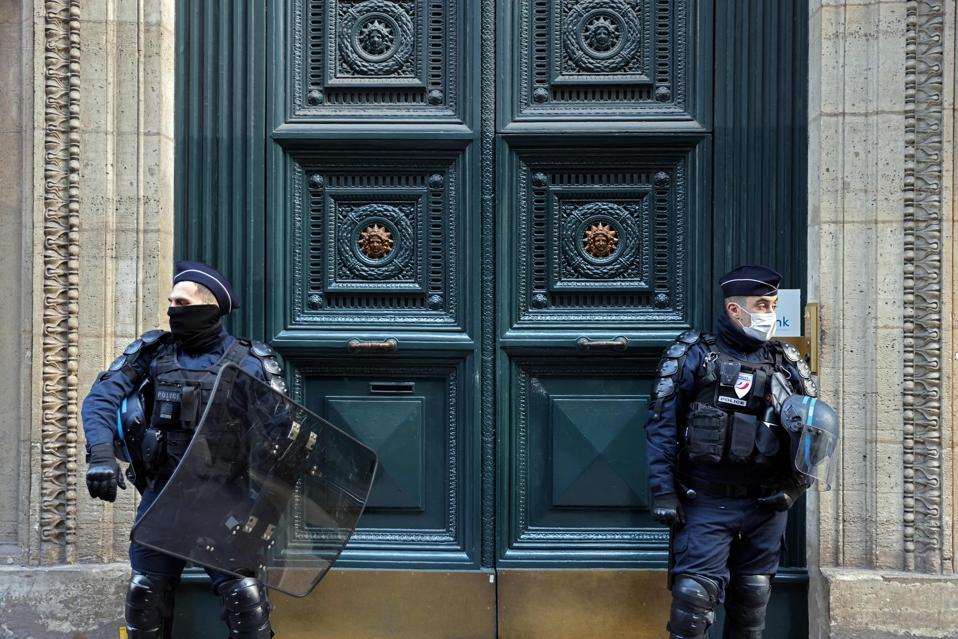 Palace Vivienne in Paris HEALTH-VIRUS-RESTAURANT-INVESTIGATION