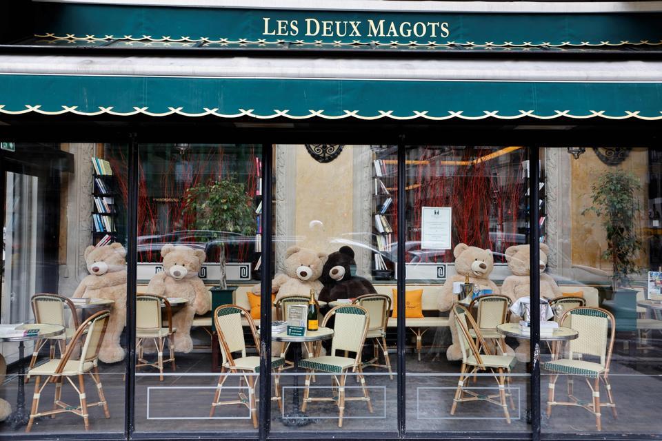 Teddy bears in cafes in Paris FRANCE-HEALTH-VIRUS-