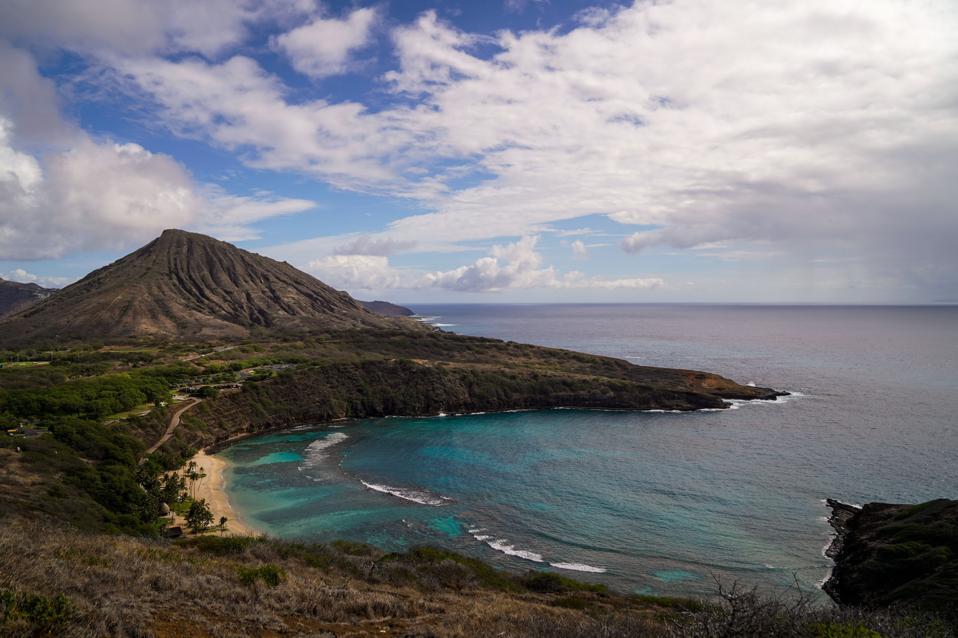 Hawaii Reopens with Coronavirus Traveler Testing program