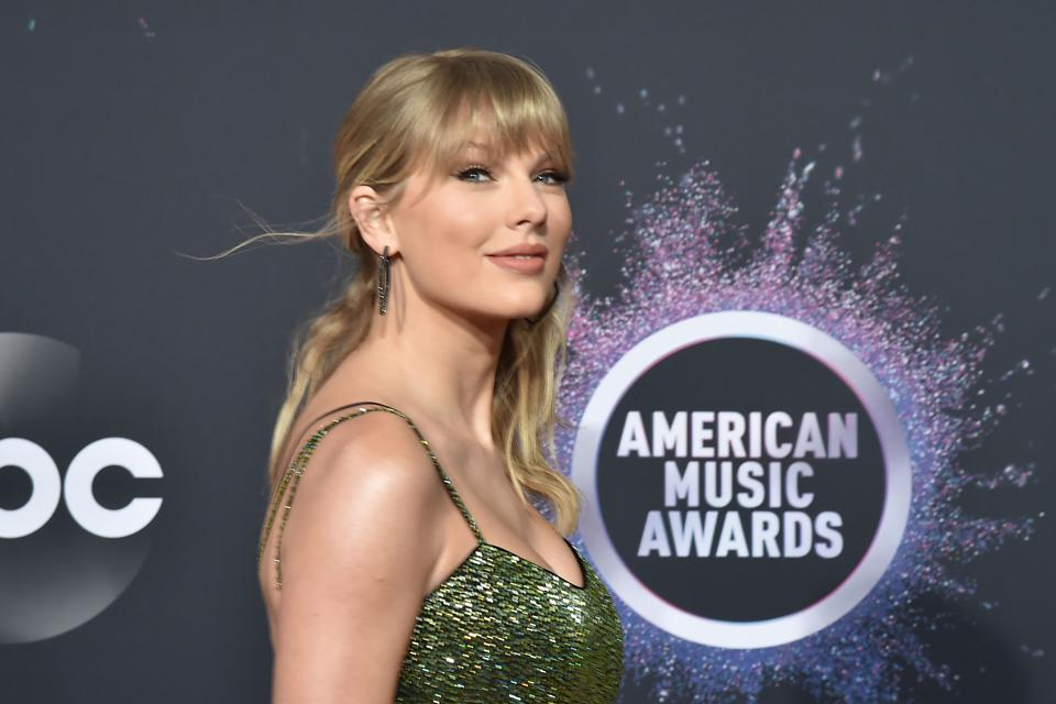 47th Annual AMA Awards - Arrivals