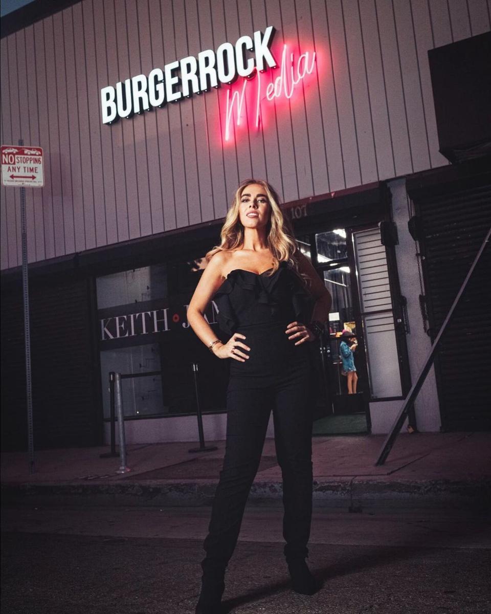 Irma Peñuñuri a.k.a Burgerrock