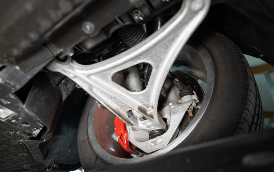 Ford GT suspension.