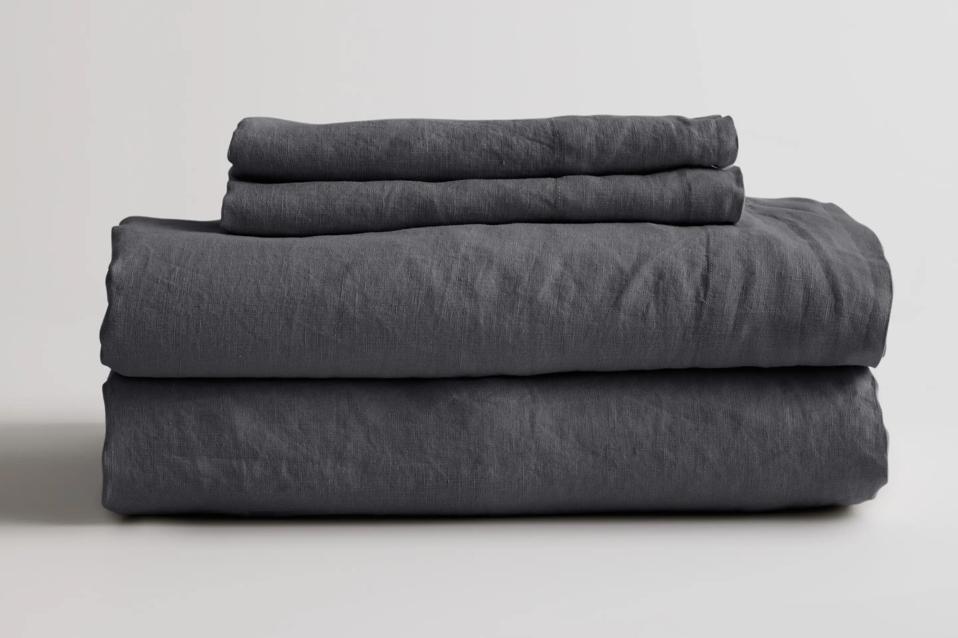 Belgian Linen Sheets in Charcoal