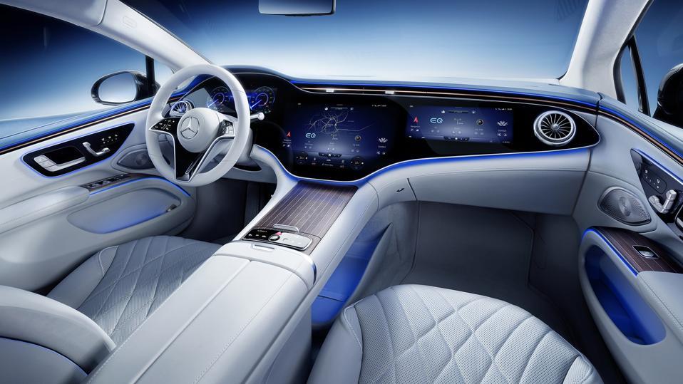 Mercedes-Benz EQS MBUX