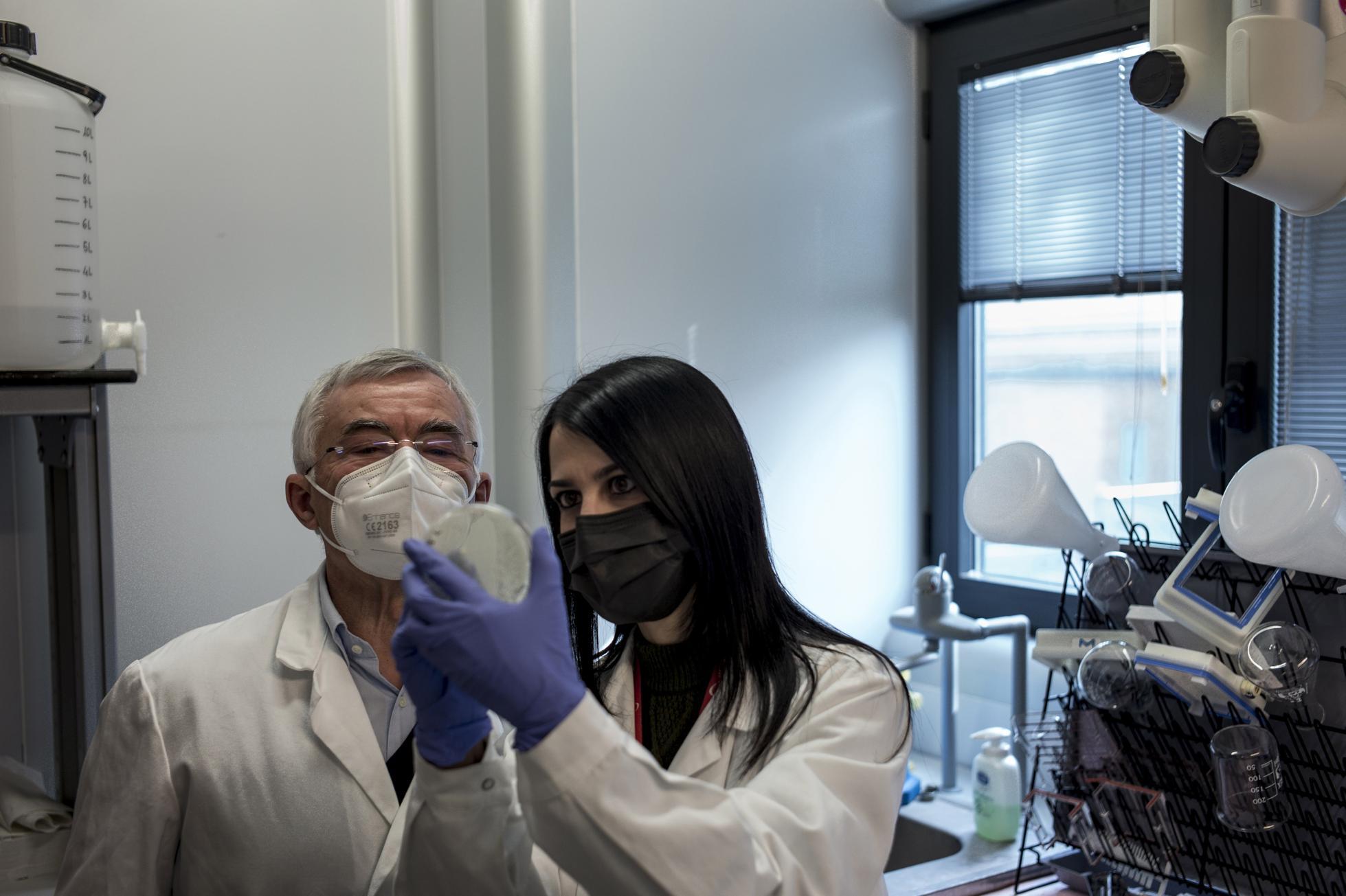 Scientists Explore Human Antibodies Against Covid-19