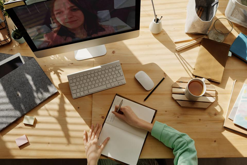 Virtual meetings have become the norm. Unfortunately, so have bad presentations. With this expert's advice, you can stand out from the crowd.