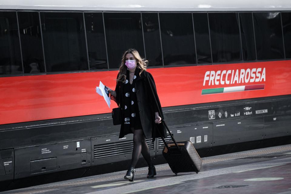 ITALY-HEALTH-VIRUS-TRAIN