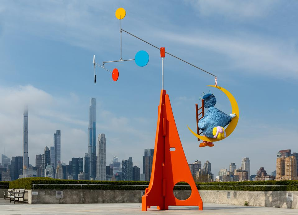 New installation on Cantor Roof Garden moves with the wind surrounded by the skyscrapers of Manhattan.