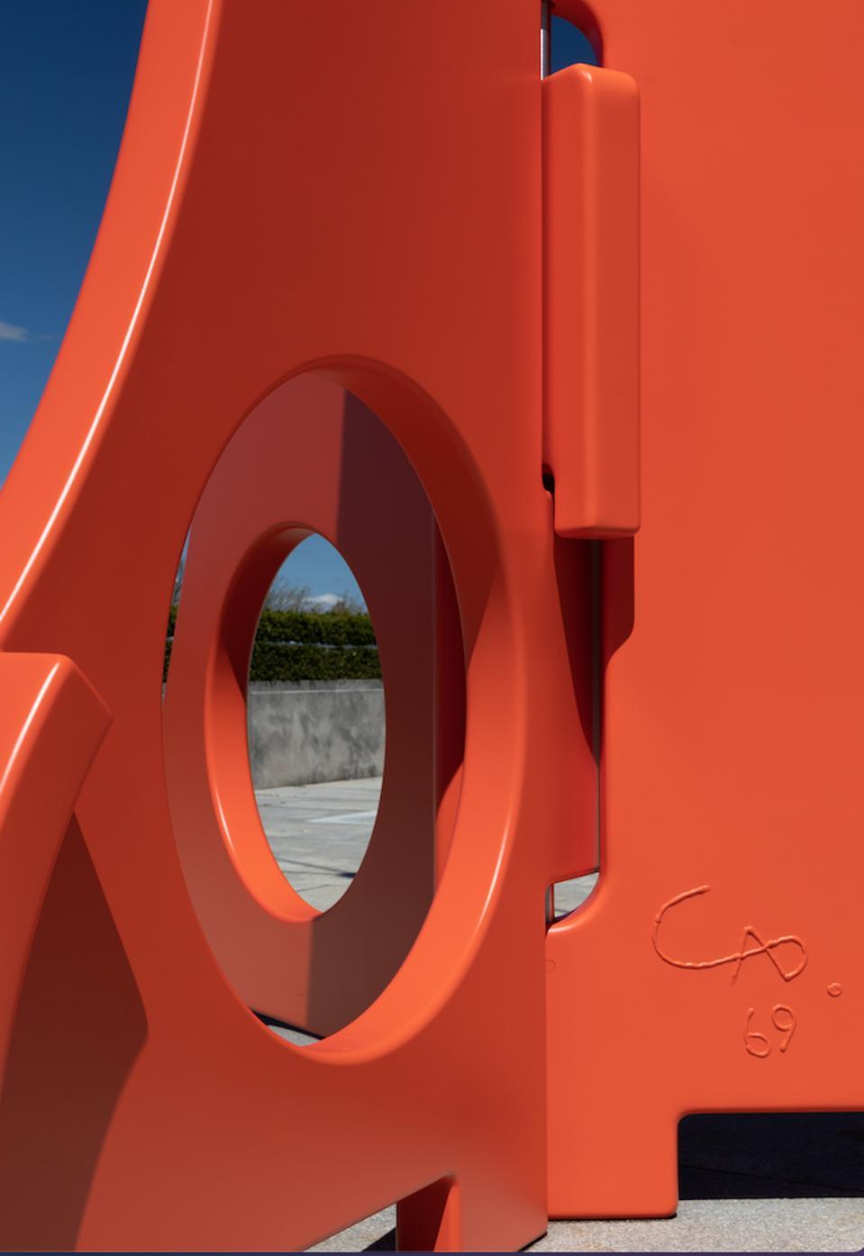 Calderesque signature on the installation